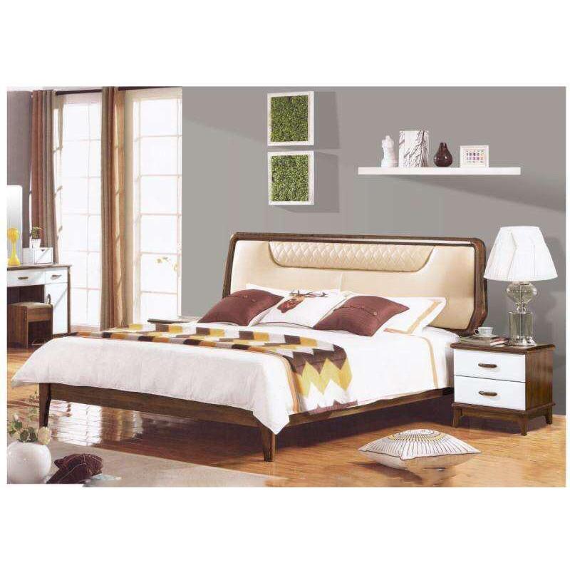 dormitor maro tapiterie crem